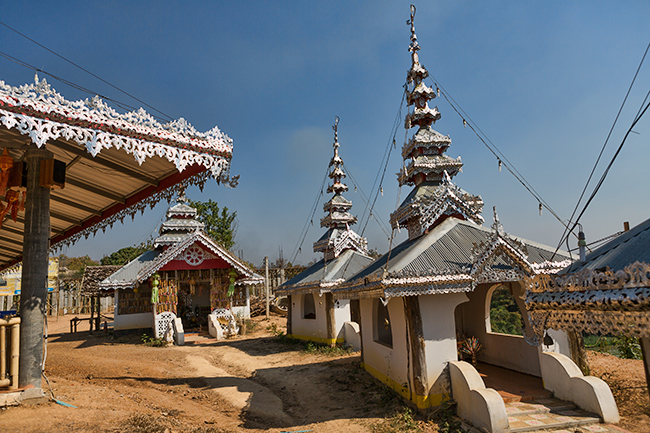 Smaller temples on the side