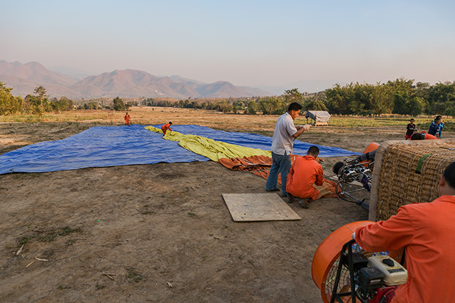 Preparations for a Hot air balloon flight over Pai