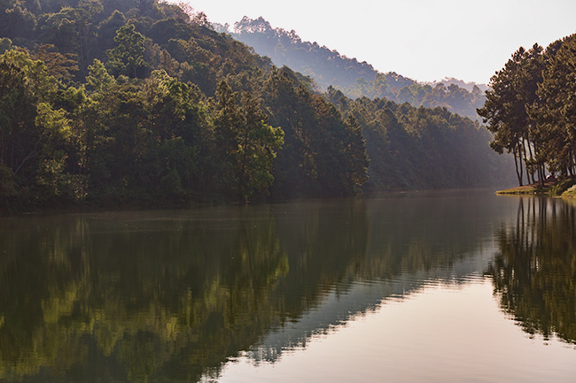 Pang-Ung Lake close to Maehongson.